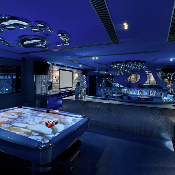 About Us - VIP Room 8 - The Blue Royale